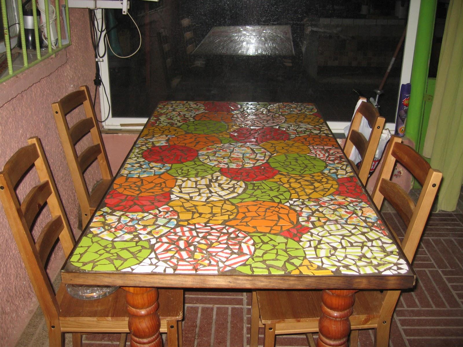 Villarochel el rincon magico reciclando de nuevo for Como reciclar una mesa de tv vieja