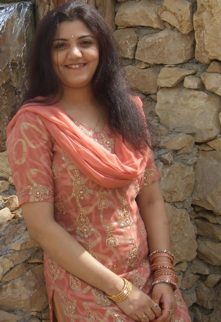 All Desi Asian Cutest Aunties: nisha bhabhi in egypt tour
