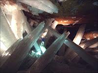 Les cristaux géants de la grotte de Naica. Document NGS.