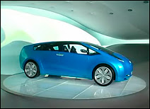 Le concept car Toyota Hybrid X dévoilé au Salon de Genève.
