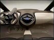 L'habitacle futuriste du concept car Toyota Hybrid X.