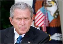 Le Président Bush face aux journalistes.