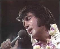 Elvis Presley lors de son concert à Hawaii en 1973.