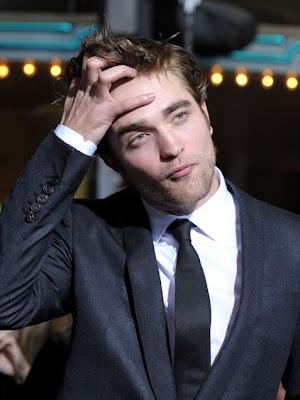 http://2.bp.blogspot.com/_GANE3J7SNYI/TCxjPIaPrwI/AAAAAAAAAGs/CqKG3kfTt-k/s1600/Robert-Pattinson-Hair-10.jpg