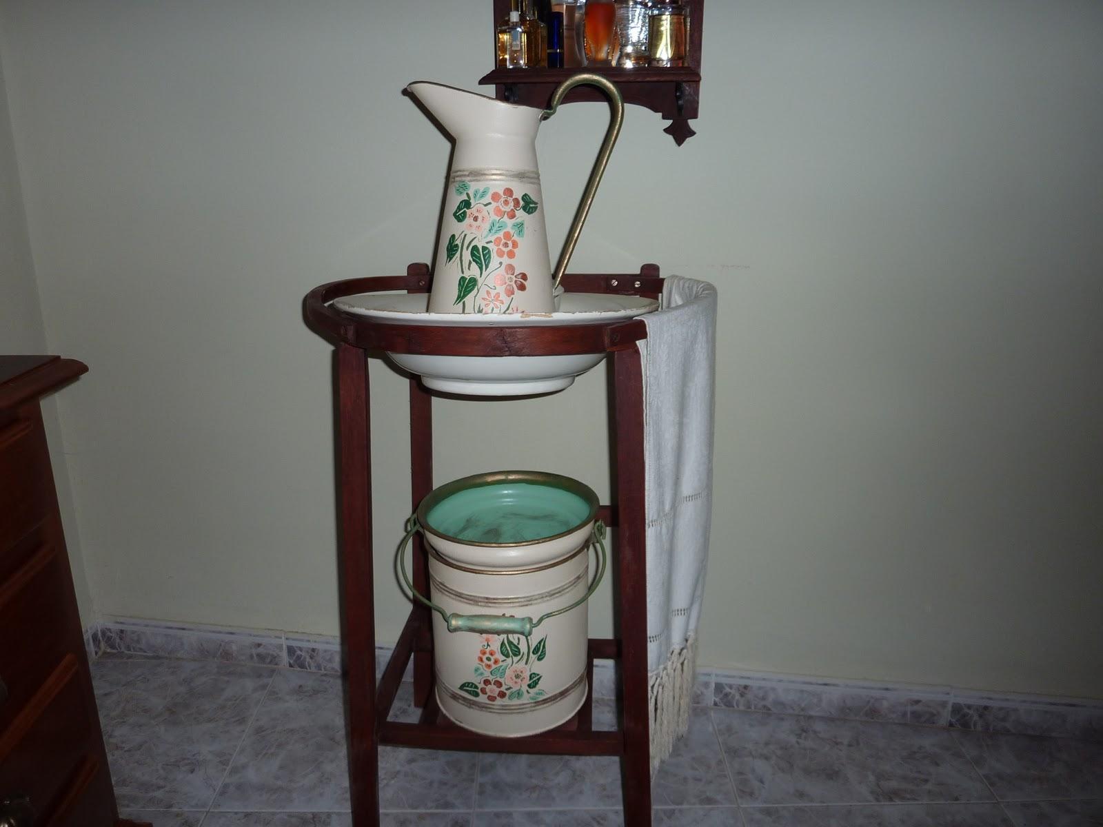 El duende de los pinceles joyero percha y lavabo antiguos for Lavabos segunda mano