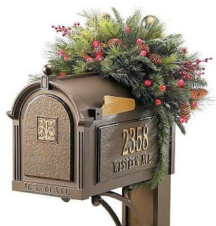 christmas-home-decorating-deck-the-halls-holiday-mailbox-swag