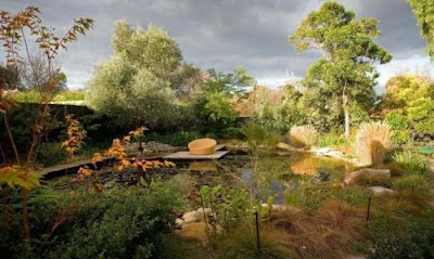 Luxurious Garden Reflective Pond Design Ideas