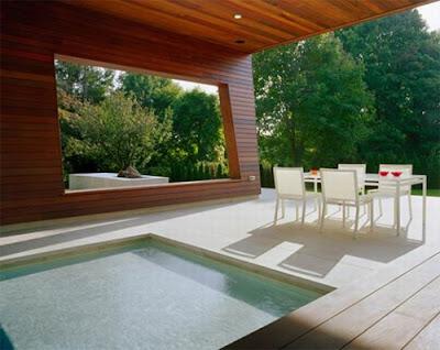 Wilton Pool House Patio Sitting