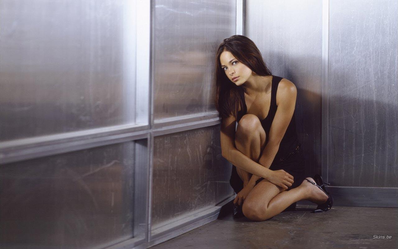 Kristin kreuk naked body