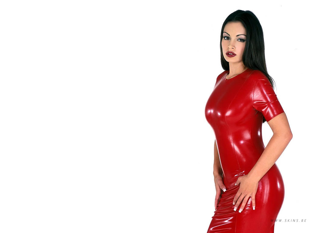 Aria Giovanni - Celebrities Designer