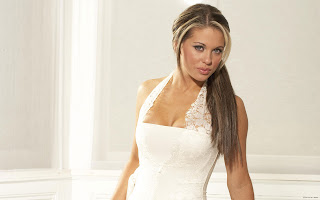 BRITISH GLAMOUR MODEL BIANCA GASCOIGNE SEXIEST PIC