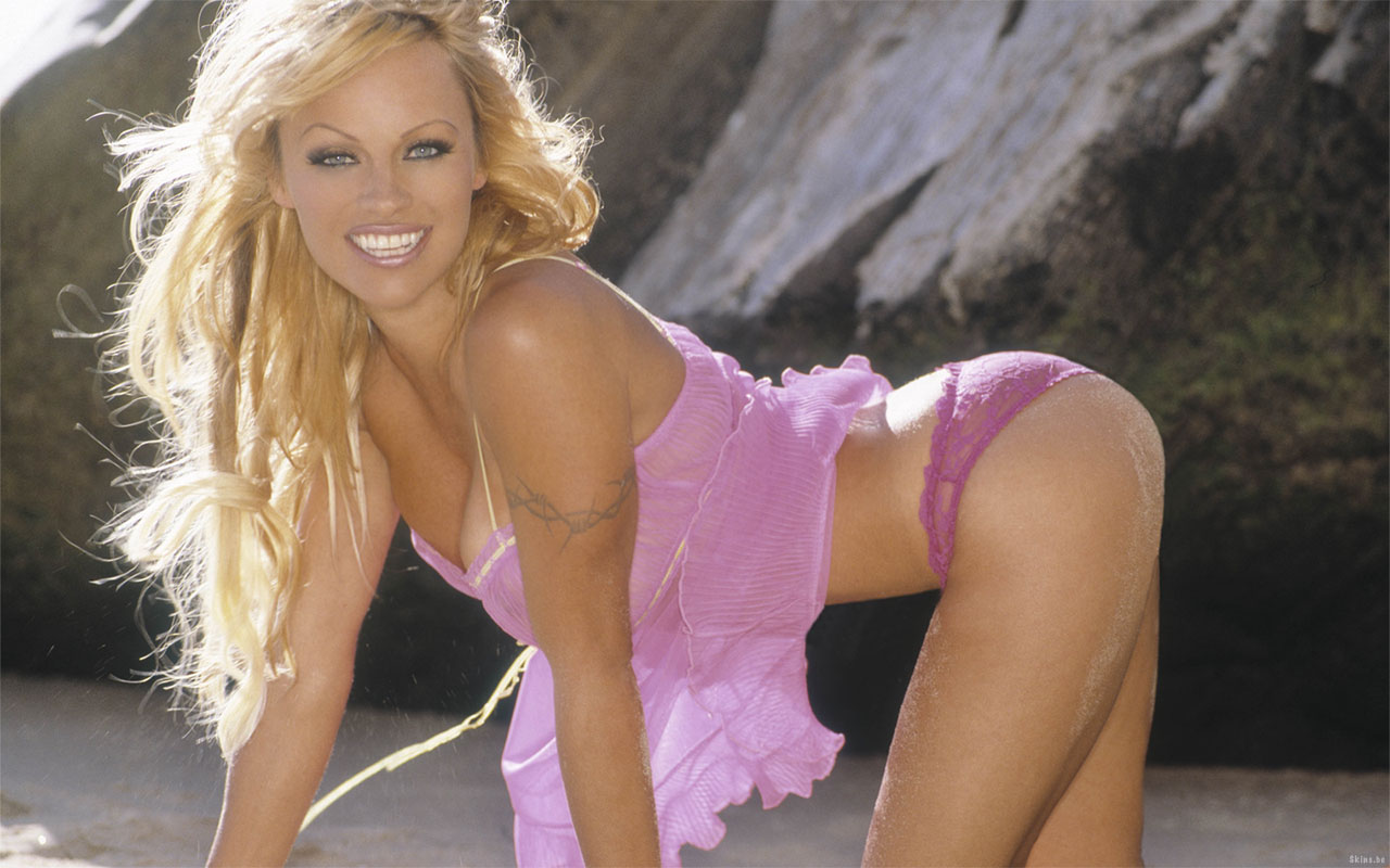 Sex Bomb Pamela Anderson Hottest Wallpapers