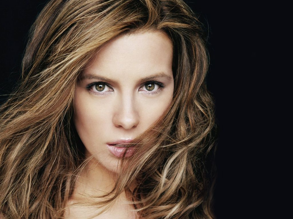 Hot Hollywood Actress Kate Beckinsale's never seen sexy pictures: