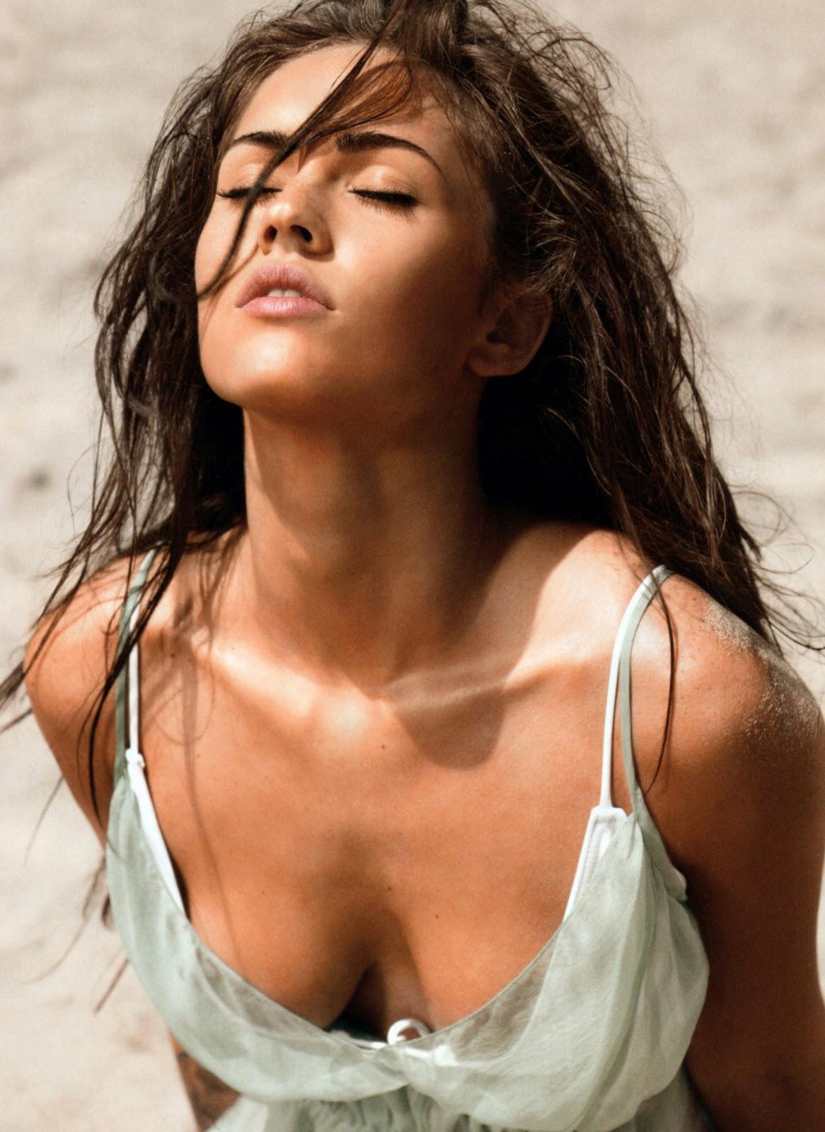 Bikini Model In The World Megan Fox Showing Abs In Sexy Bikini Photo Gallery