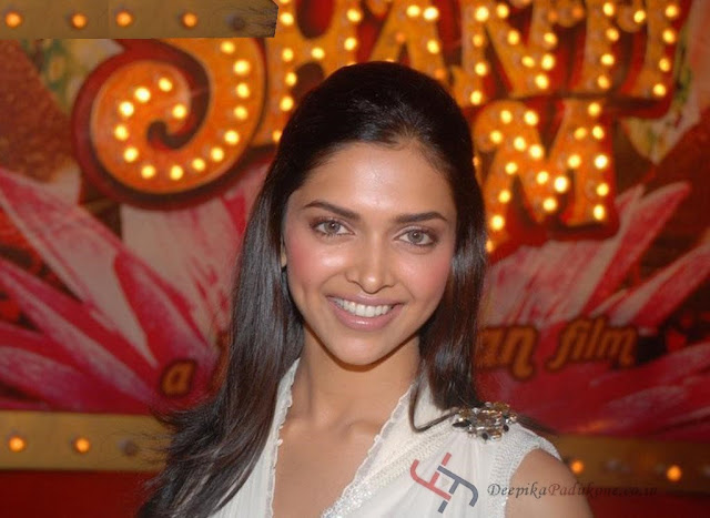Bollywood Actress: Deepika Padukone Hot Photo Gallery