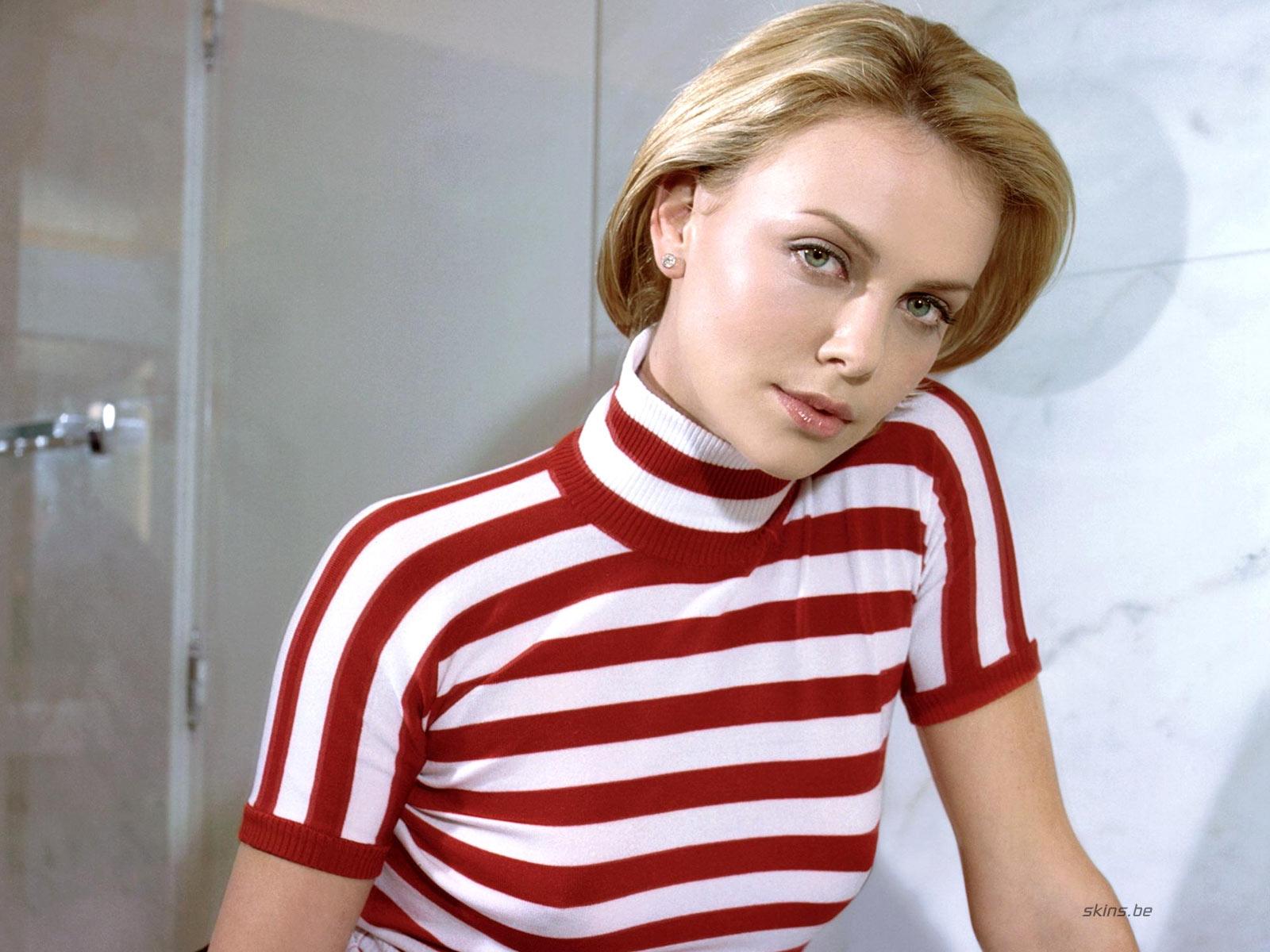 http://2.bp.blogspot.com/_GCAuqodmOE4/TS_ZEiDQ7fI/AAAAAAAAG-s/Rrv5cSaeTZw/s1600/Charlize+Theron+In+Sexy+Strip+Shirt+Photos+%25288%2529.jpg