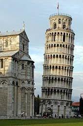 Menara Pisa Adalah Khas Italia
