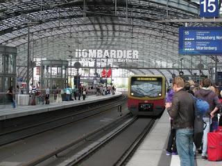 בתמונה: תחנת הרכבת המרכזית של ברלין (קומה עליונה)
