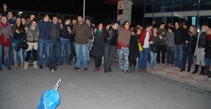 Prosvjed ispred MZOŠ, 1.12.2009. - 1
