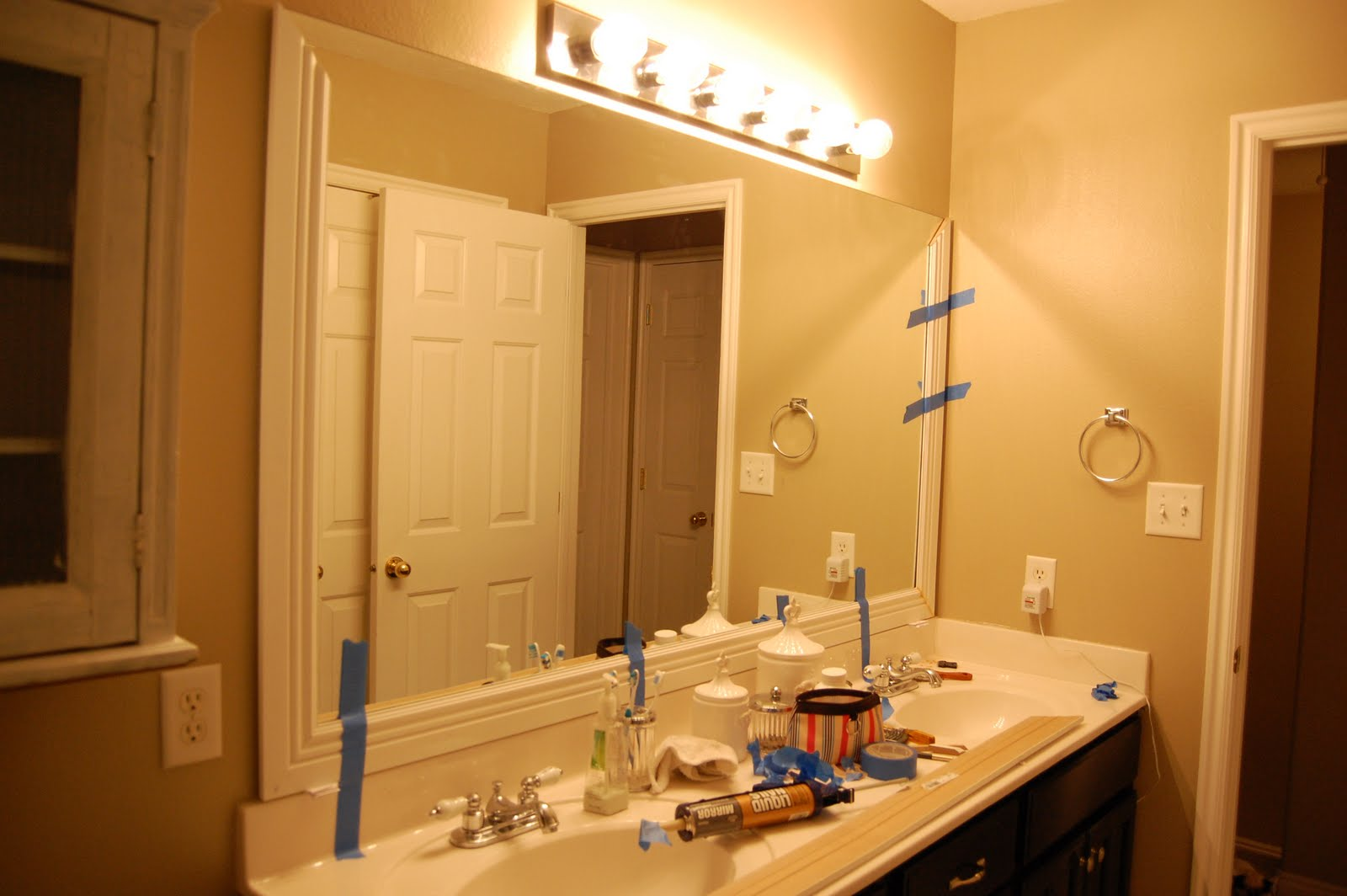 Bathroom mirror trim