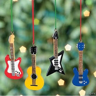 A Central do Rock deseja a todos Feliz Natal e Própero Ano Novo!