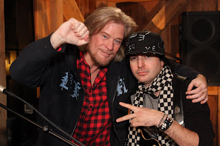 """Money's Kevin Rudolf As They """"Let It Rock"""" Live From Daryl's House"""