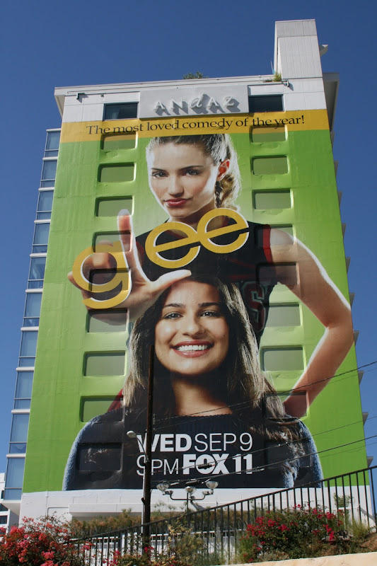 Glee season 1 TV billboard