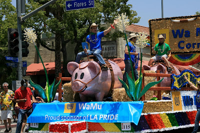 WaMu sponsored piggy bank float