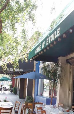 Cafe D'etoile sidewalk dining