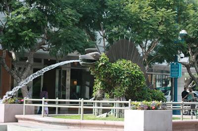 Santa Monica's dinosaur fountains of 3rd Street