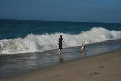 The crashing waves at Sycamore Cove