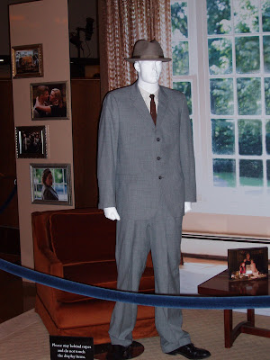 Revolutionary Road movie costume - Leonardo DiCaprio suit