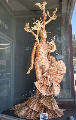 Tree dress creation Eiotown