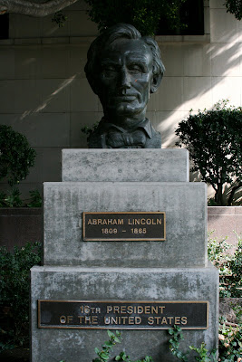 President Abraham Lincoln statue
