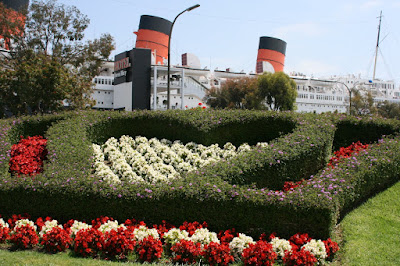 Queen Mary seaport floral display