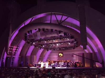 Aretha Franklin Hollywood Bowl colourful stageshow