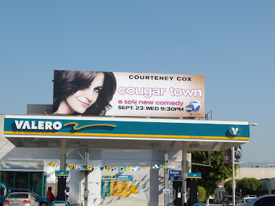 Courtney Cox Cougar Town TV billboard