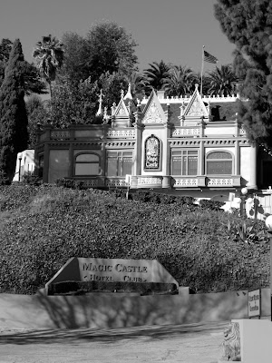 Magic Hotel Castle Club in mono
