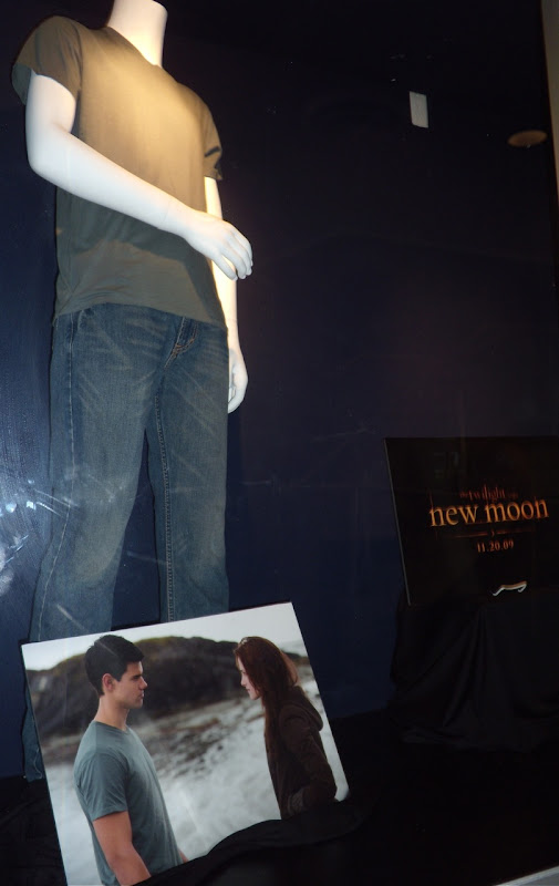 Taylor Lautner Twilight New Moon Jacob Black film outfit