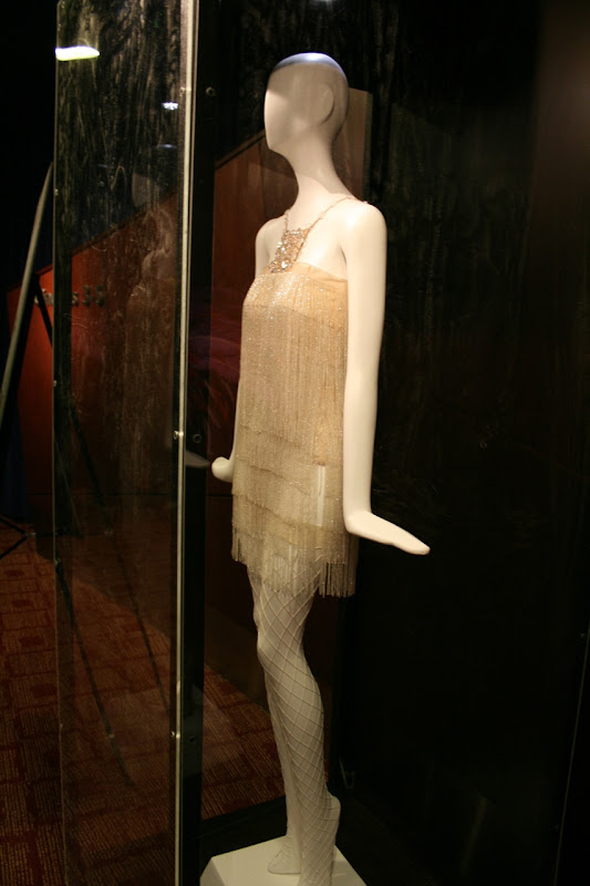 Nine movie costume Kate Hudson's white dress