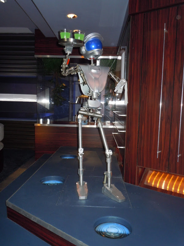 Space Mountain robot waiter