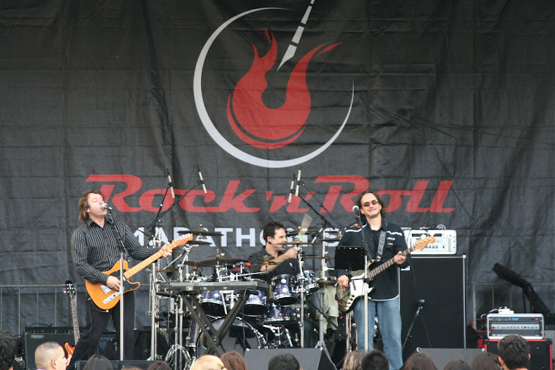 Rock n Roll LA Half Marathon band