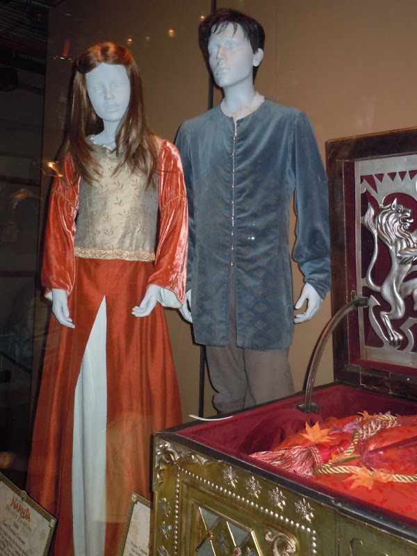 Lucy and Edmund Pevensie Prince Caspian costumes