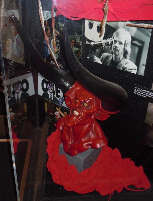 Lord of Darkness sculpture Legend