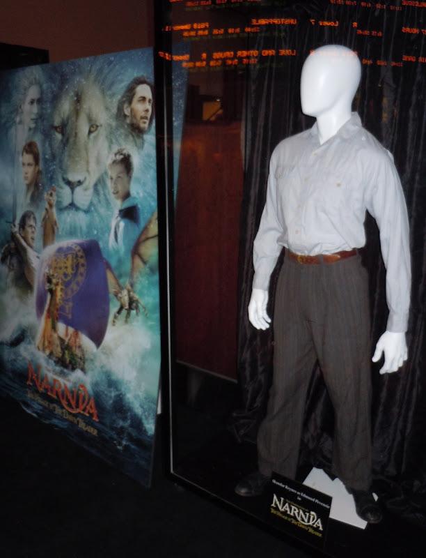 Skandar Keynes Edmund Pevensie Narnia costume