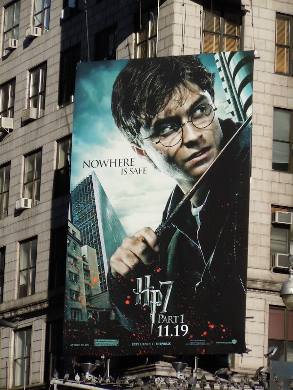 Harry Potter 7 Daniel Radcliffe billboard