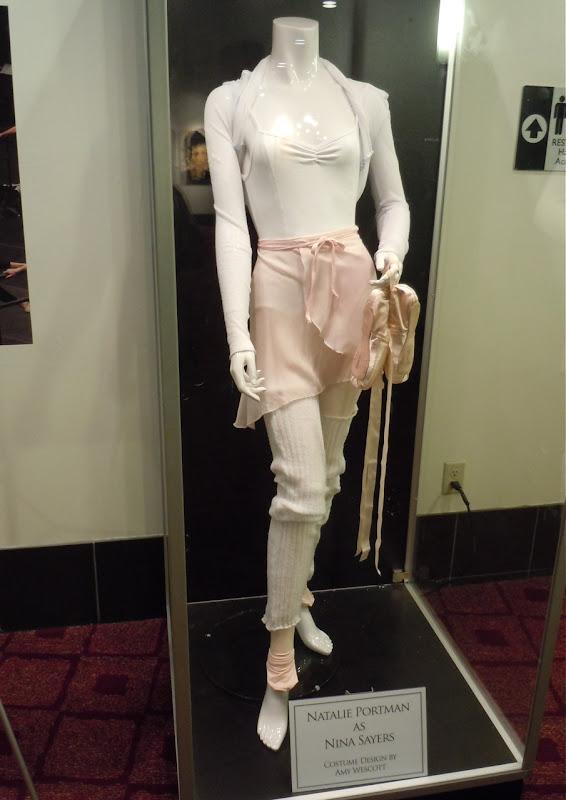 Natalie Portman Black Swan outfit