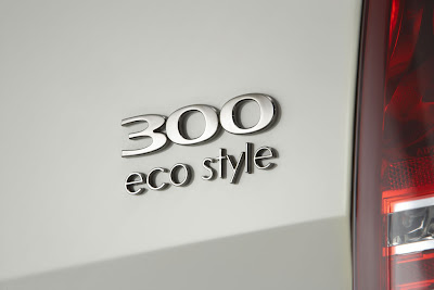 http://2.bp.blogspot.com/_GIlsuSZq_VM/S456orbfDjI/AAAAAAAAdzg/AzkoHgdiUO8/s400/Chrysler-300C-eco-style-2%5B1%5D.jpg