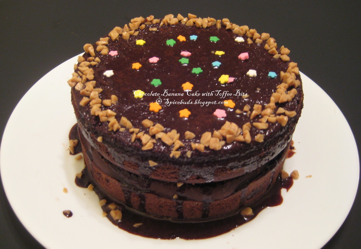 SpiceBuds.....: Eggless Chocolate Banana Cake with Toffee Bits
