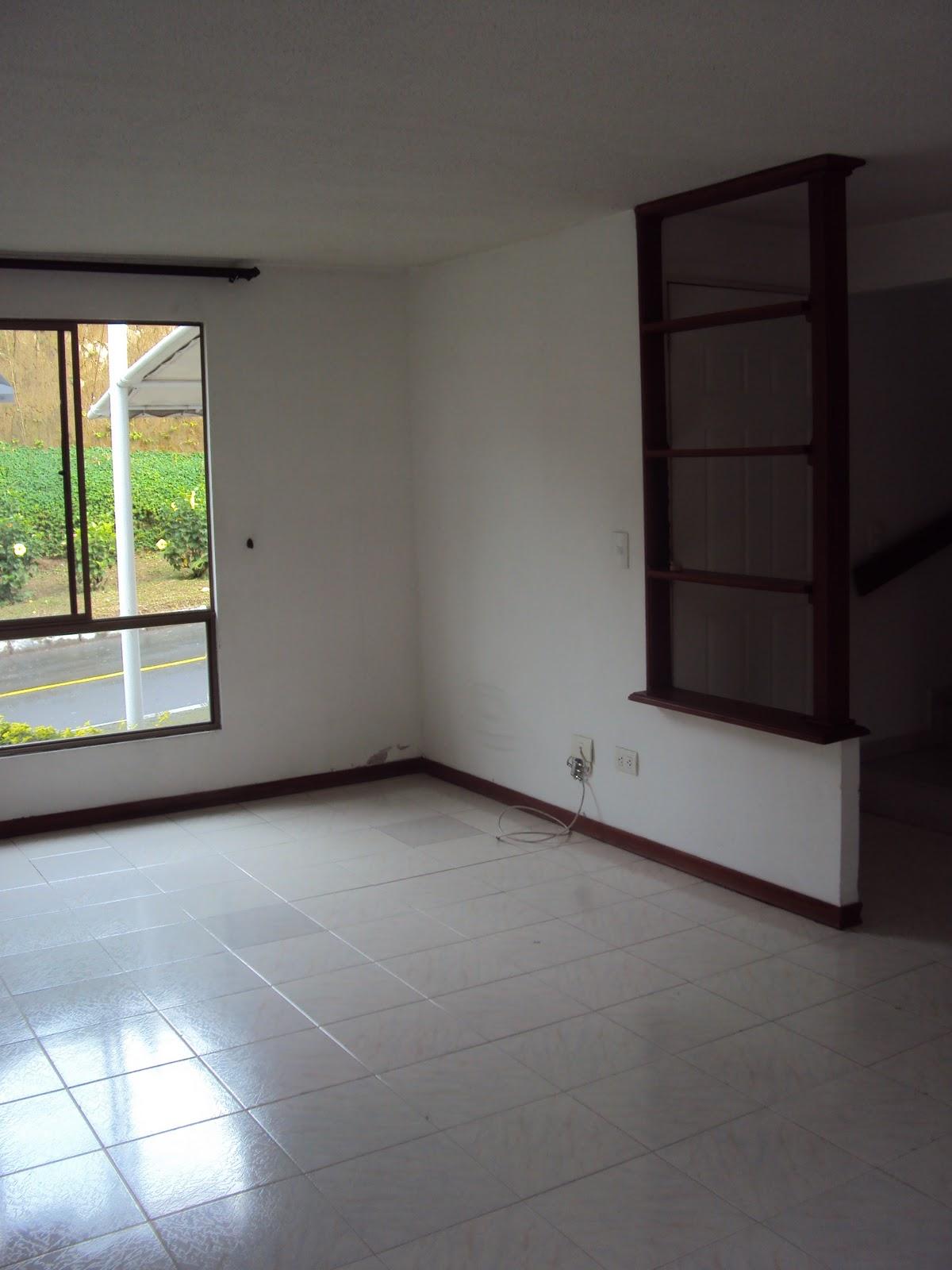 Vendo casa coralina sala comedor primera planta for Comedor en planta